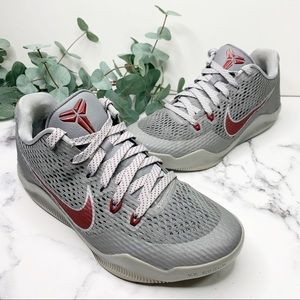 NIKE Sneakers Gray Size 9